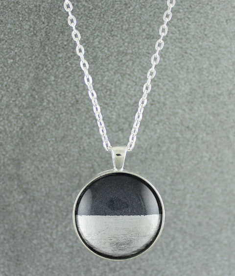 Samba Silver Linings Large Pendant Necklace (Silver & Charcoal)