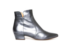 Load image into Gallery viewer, Chie Mihara ROCEL Anthrazit Flat Booties