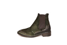 Load image into Gallery viewer, Gidigio Green Chelsea Boots