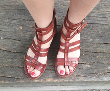 Load image into Gallery viewer, Gidigio Roman-like Sandals