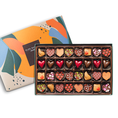 Valentines Special Gift Box | 32 Pieces
