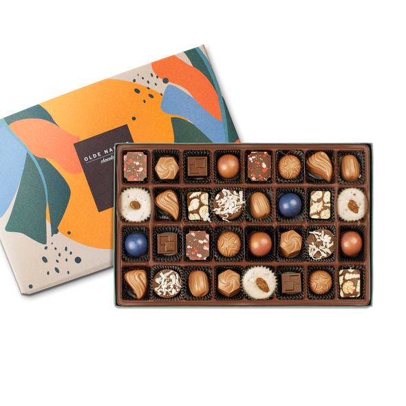 Olde Naples Selection Box | 32 Pieces