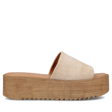Dirty Laundry - Peyton Platform - Smooth Saddle