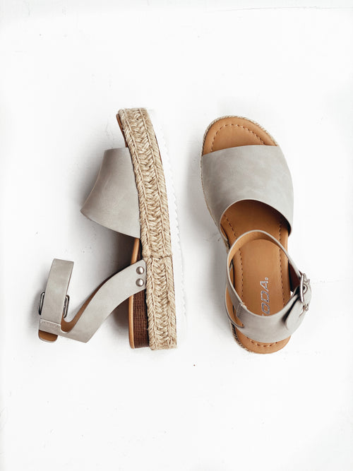 Soda - Topic Wedge - Dove Grey