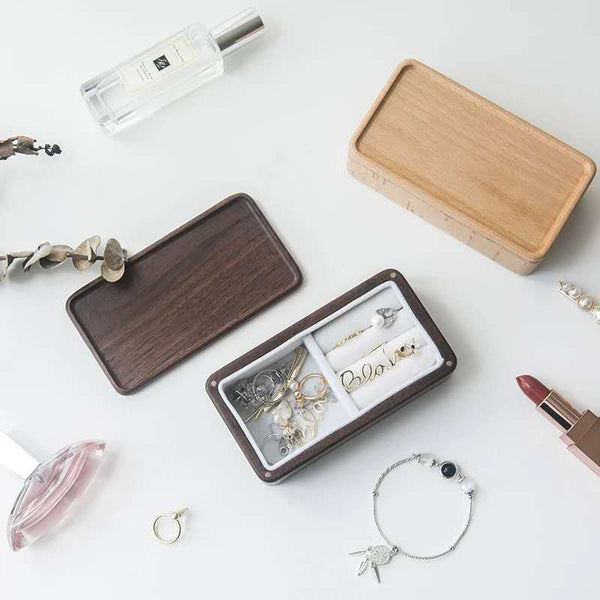 Portable wooden jewelry box
