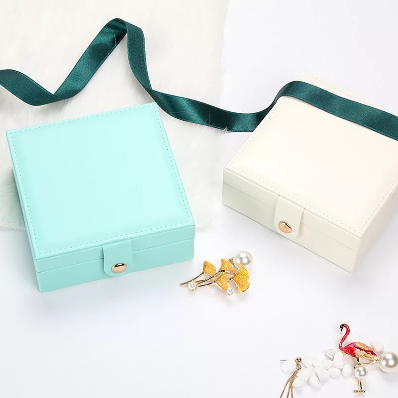 Simple Solid Color Square Leather Portable Mini Travel Jewelry Box - Nillishome