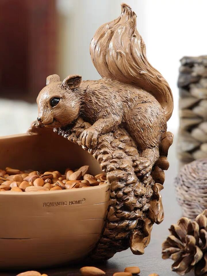 Hand carved squirrel, jewelry storage, Nut/Candy/Snack/Key Bowl Dish, Home Decoration - Nillishome