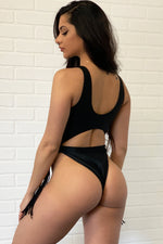 Seal Beach Monokini Black