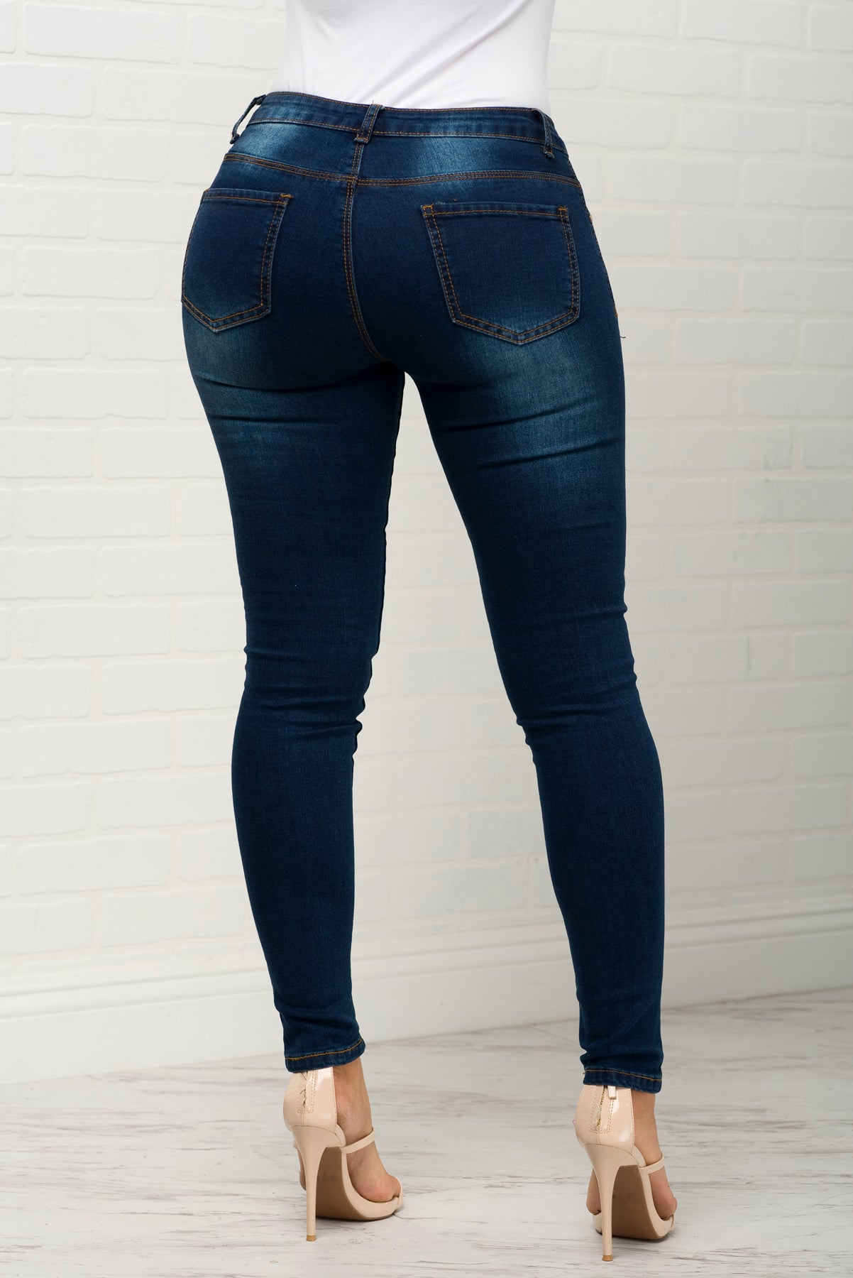 Sydney  Distressed Jeans