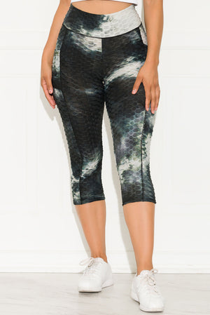 My Motivation Capri Leggings Tie Dye Black/White