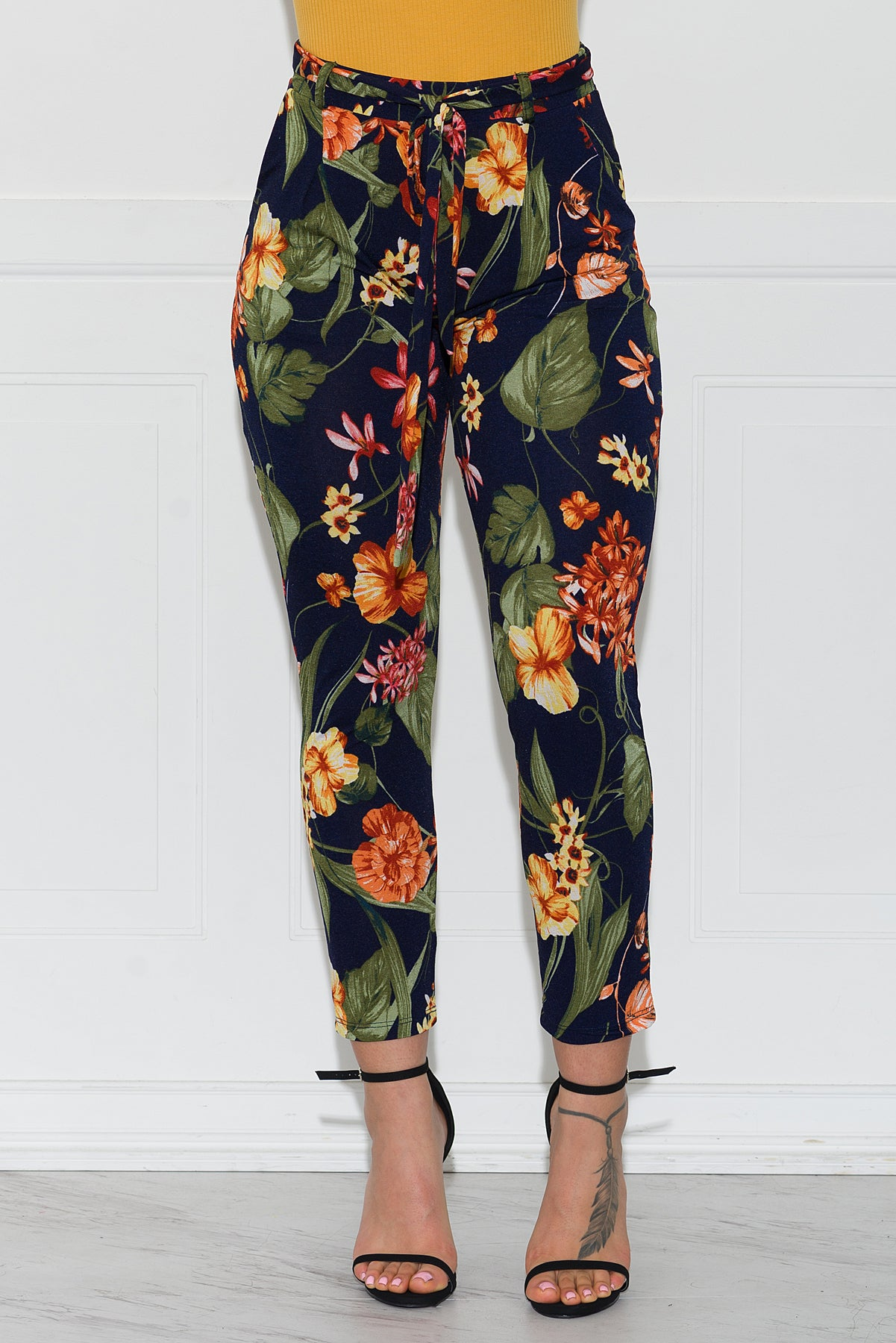 Donna Floral Pants- Navy