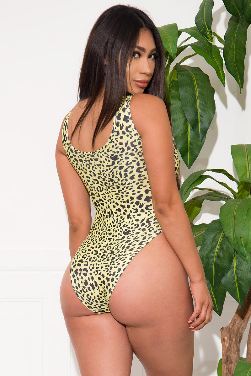 Osorich Strand Two Piece Set Swimsuit  Green