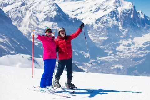 Stay on the Slopes – Try CBD Oil for Joint Pain!