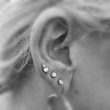 Load image into Gallery viewer, caelli titanium couture third lobe piercing