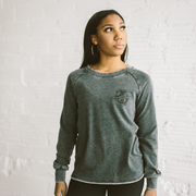 'SUPPORT YOUR WORLDWIDE GIRLGANG' Nicole Pullover