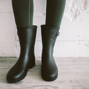 REFINED SLIM FIT SHORT RAIN BOOT - BLACK