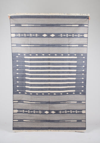 Ancient Arrow Dhurrie Rug in Grey