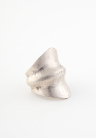 Sculptural ripple ring