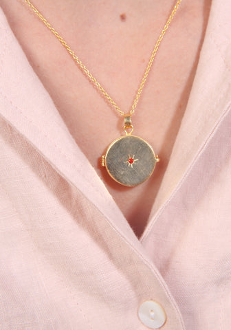 Vega golden star locket