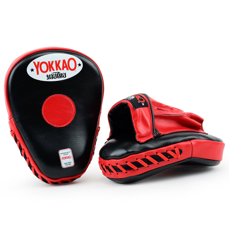 YOKKAO Curved Focus Mitts Black/Red - YOKKAO