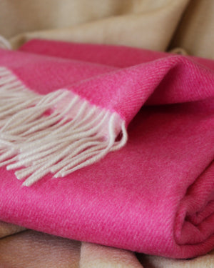 Biella Throw Bright Pink