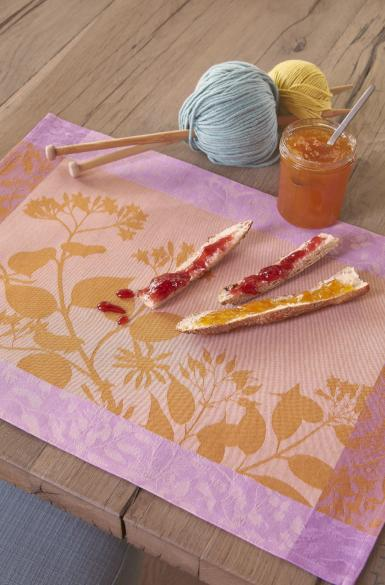 Herbes Folles Table Linens