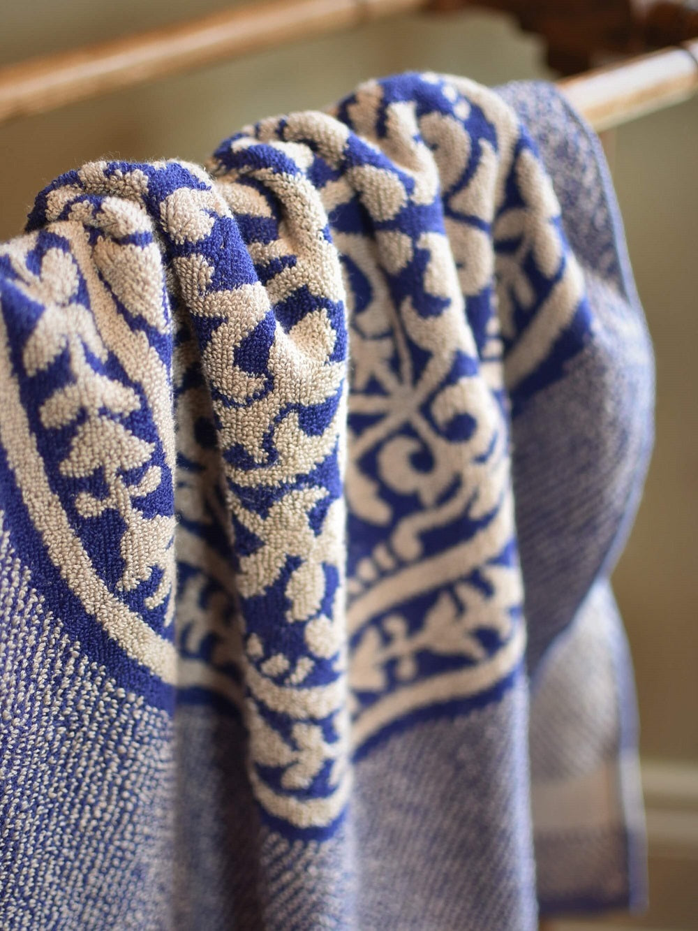 Leitner Medici Navy Blue Towel detail