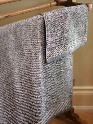 Leitner Tweed Anthracite Towels