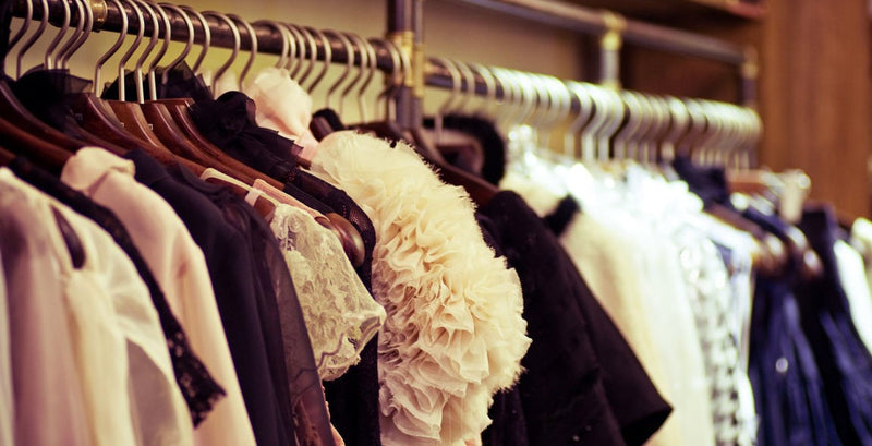 GUEST BLOGGER- 4 Top Tips on Creating an Awesome Capsule Wardrobe