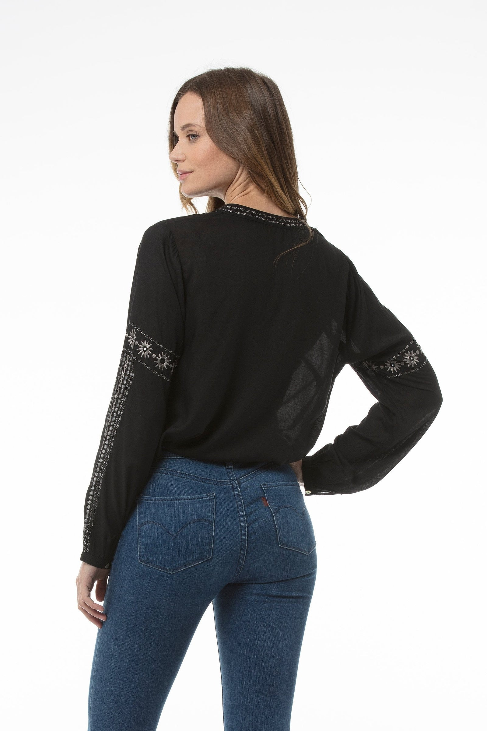 hilde-top-black