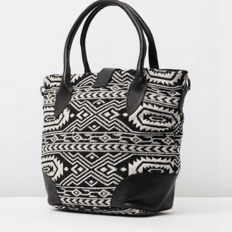 JUNI - Bag Black/white