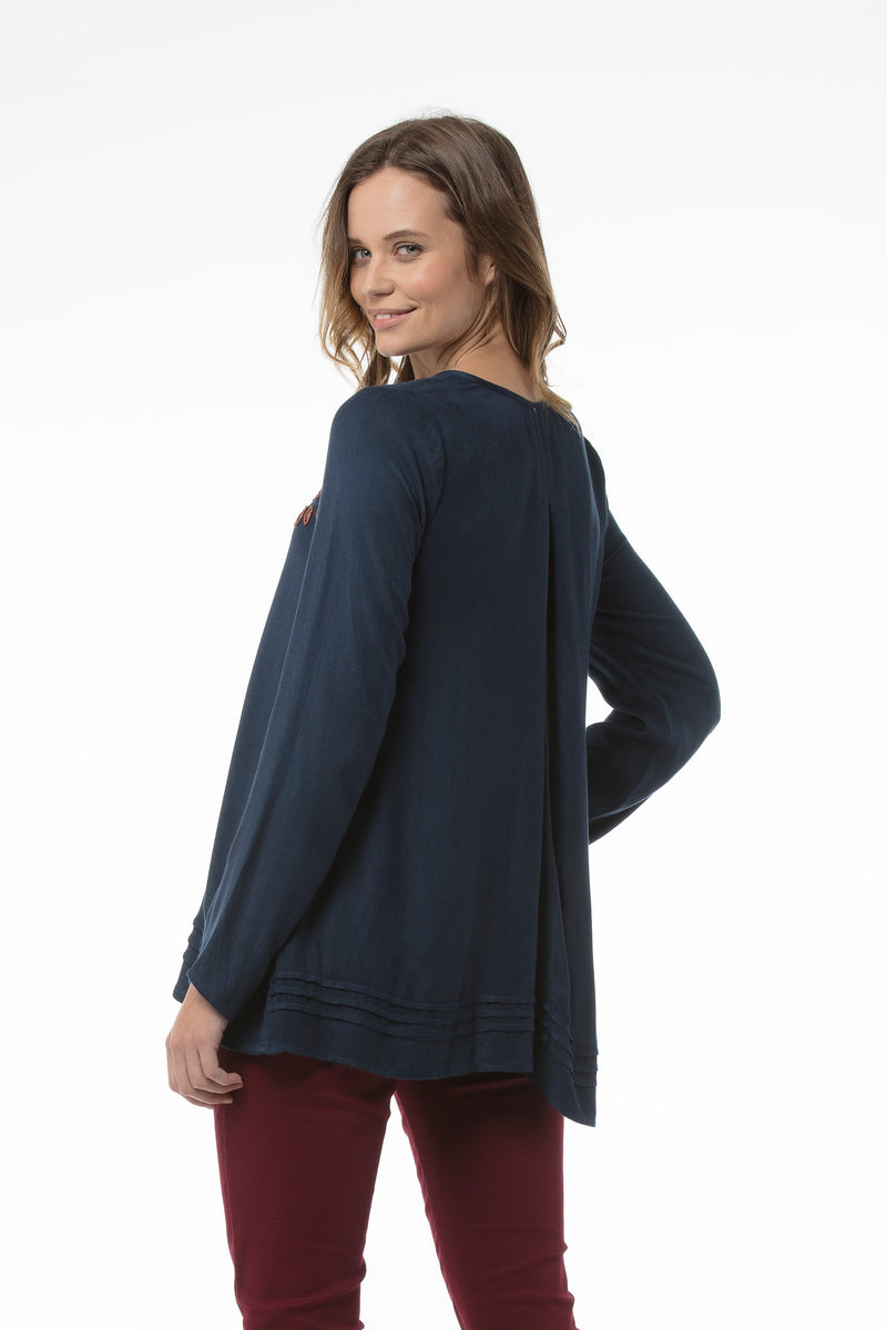 lora-top-navy