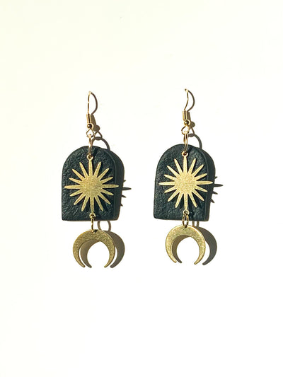 JAYA Arch Earrings