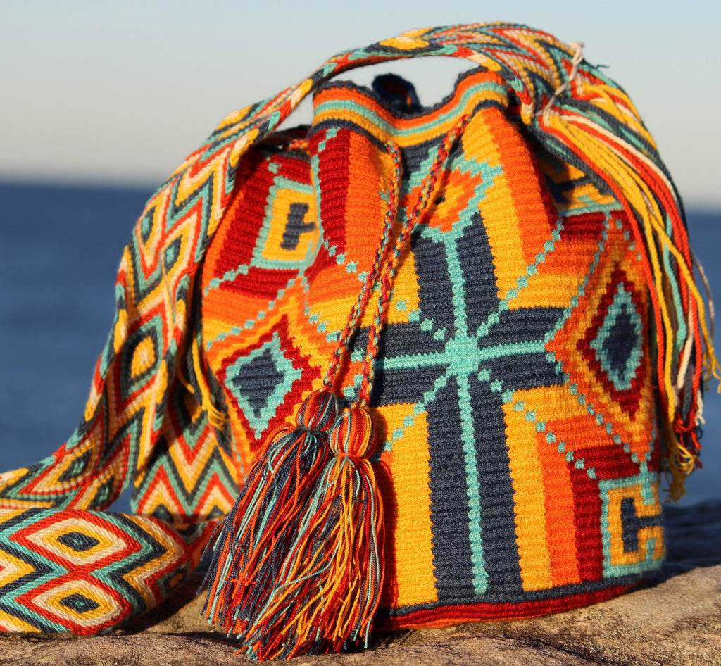 Wayuu Mochila -  Authentic Handmade Wayuu Bag - Cruz Azulita - MOBOLSO - 1