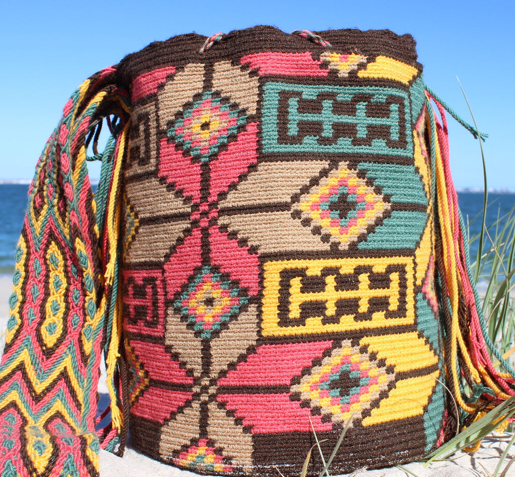 Wayuu Mochila -  Authentic Handmade Wayuu Bag - Amada - MOBOLSO - 1