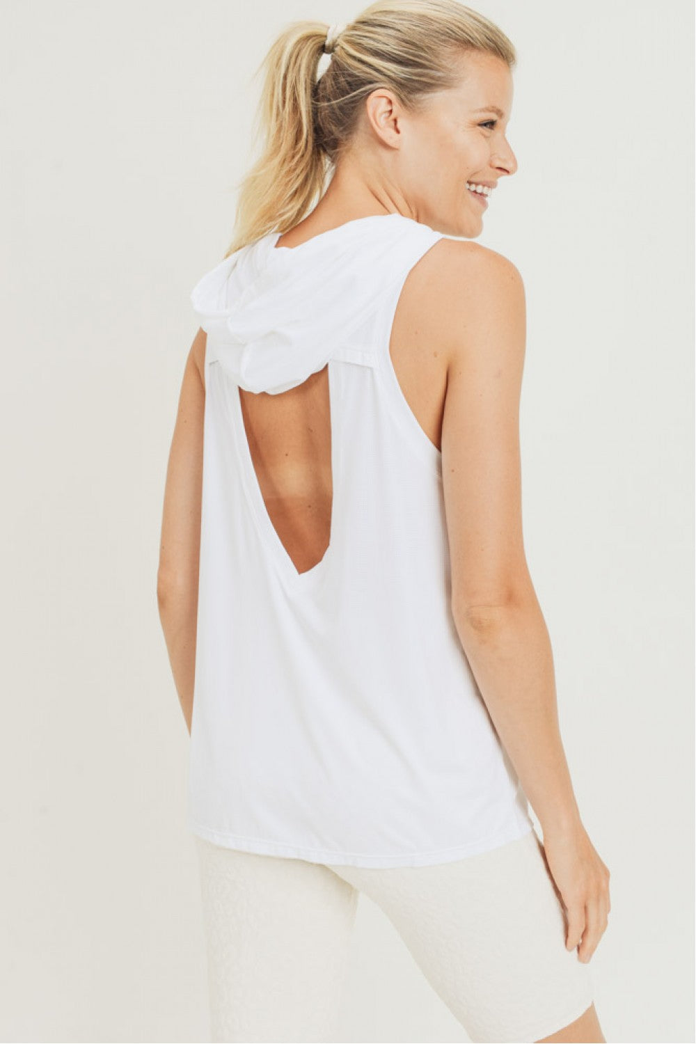 Muscle Active Tank With Cut Out - Artemisia Clothing Shop