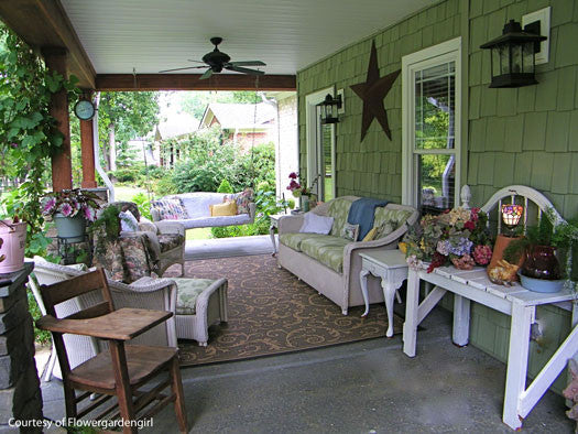 Home decor with furnished porch