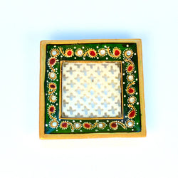Square Stone Studded Marble White, Red, Green Jali Tray - FOLKBRIDGE.COM | Buy Gifts. Indian Handicrafts. Home Decorations.