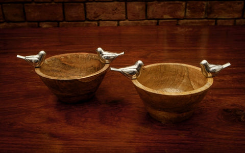 Wooden Serving Bowls with Metal Birds, Set of Two - FOLKBRIDGE.COM | Buy Gifts. Indian Handicrafts. Home Decorations.