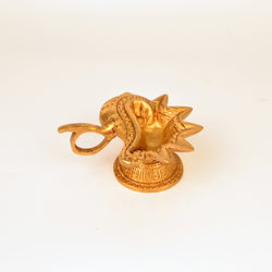 Brass Golden Shell Diya - FOLKBRIDGE.COM | Buy Gifts. Indian Handicrafts. Home Decorations.