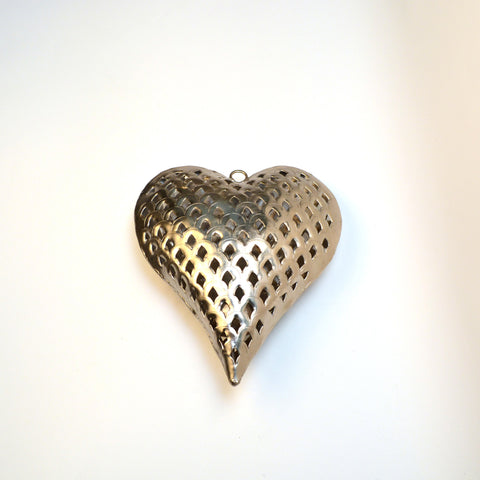 Iron Silver Heart Hanging Tea Light Holder - FOLKBRIDGE.COM | Buy Gifts. Indian Handicrafts. Home Decorations.