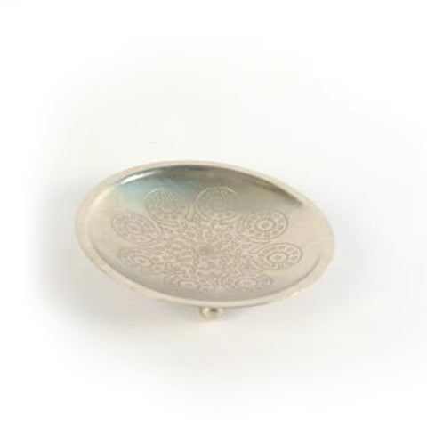 Round Iron Silver Small Plate - FOLKBRIDGE.COM | Buy Gifts. Indian Handicrafts. Home Decorations.