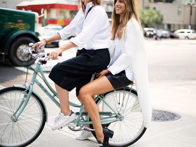 IT LOOKS | The Piece we Love to Combine the White Shirt