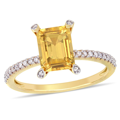 1 1/2 CT TGW Citrine and 1/10 CT TW Diamond  Ring in 10k Yellow Gold