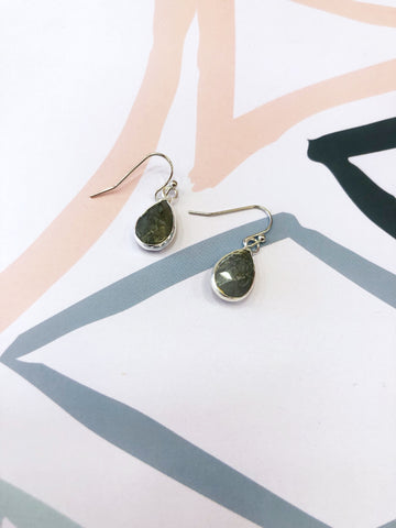 Stone Green Quartz Teardrop Earrings