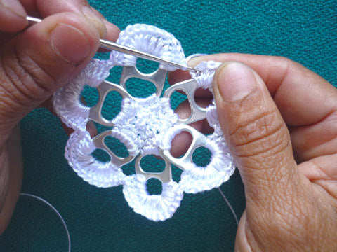 "alt=""soda pop tab crochet tutorial"""