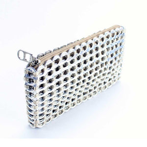 "alt=""silver clutch purse with beige, Chica Rosa Escama Studio"""