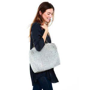 "alt=""siver tote made of recycled materials, eco fashion from Escama Studio"""