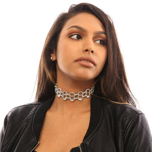 "alt=""womens choker necklace worn by girl in black leather jacket, sustainable fashion by Escama Studio"""