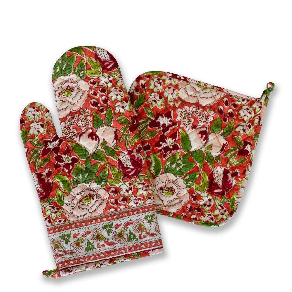 Spice Route Garnet Oven mitt and Pot holder set with floral prints and rich vibrant hues
